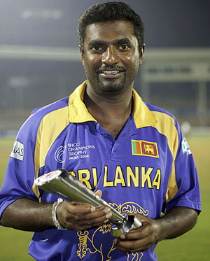 top most bowler muralitharan playing style
