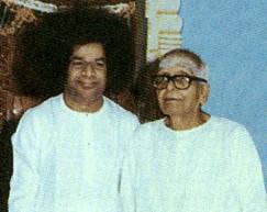 Kasthuri with Bhagavan Sri Baba