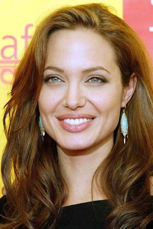 Angelina_Jolie_220